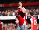 Giroud, Rosicky đem niềm vui chiến thắng về lại Arsenal