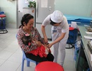 Cần Thơ: Hết vắc xin dịch vụ, phụ huynh quay lại tiêm chủng mở rộng