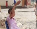 Hà Nội: Gặp tai nạn trên đường, người đàn ông được CSGT đưa về