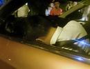 Hà Nội: Đập cửa cứu tài xế nằm gục trên vô lăng ô tô