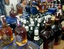Hà Nội: Lật tẩy chiêu thức biến rượu Lào thành rượu Tây hàng hiệu