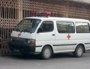 """Hà Nội: Xe cứu thương tư nhân """"đừng mơ"""" đón khách bệnh viện (!?)"""
