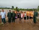 Bộ đội biên phòng giải cứu 6 người bị lũ cô lập