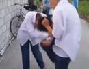 Hải Dương: Nam sinh bị đánh hội đồng và tè bậy trước mặt