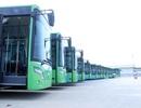 Buýt nhanh không chạy khớp nối kỹ thuật trên đường phố Hà Nội
