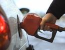 """Xăng dầu lại """"đòi"""" tăng giá bán"""