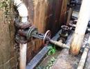 Công trình nước sạch xuống cấp, dân bỏ tiền mua... nước bẩn