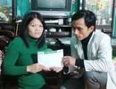 Hơn 42 triệu đồng tiếp tục đến với người vợ liệt chăm chồng què ở bệnh viện