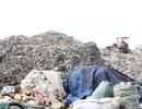 Dân khốn khổ vì núi rác khổng lồ
