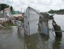 Sạt lở ngày càng nghiêm trọng, 200 hộ dân lo mất nhà