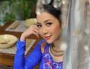 Linh Nga dịu dàng với áo dài
