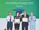 Lãnh đạo Quỹ Lawrence S.Ting nhận nhiều bằng khen của Hội Khuyến học