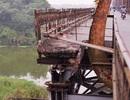 """Chạnh lòng trước sự xuống cấp của cây cầu """"già"""" nhất Hà Nội"""