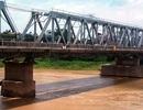 Hà Nội: Chở vợ lên cầu rồi ném xuống sông Đuống