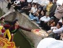 Nghiêm cấm quan họ ngửa nón xin tiền tại Hội Lim