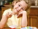 Những sai lầm khi cho trẻ ăn sữa chua