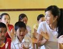 Triệu Thị Hà tặng học sinh nghèo Cao Bằng thư viện sách