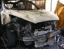 6 xế hộp cháy rụi trên xe rơ-moóc