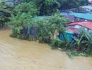 Nhiều vùng tại Huế bị cô lập, phố cổ Hội An xác xơ