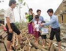 ĐH Nông lâm Huế đến hỗ trợ khẩn đồng bào tâm bão