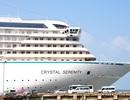 Tàu du lịch siêu sang hàng đầu thế giới cập cảng Chân Mây