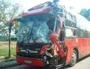 Xe tải đâm xe khách, 40 hành khách may mắn thoát chết