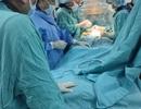Thay van động mạch chủ qua ống thông đầu tiên tại miền Trung