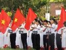 Học sinh Quốc học Huế chào cờ nhớ về Bác, hướng đến biển Đông