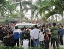 """""""Con bạc"""" mất mạng, gia đình mang xác nạn nhân vây kín UBND xã"""