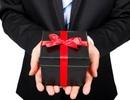 Ban Bí thư: Nghiêm cấm mọi hình thức tặng quà Tết cấp trên