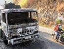 Xe bồn chở 32.000 lít xăng dầu bốc cháy trên đèo Bảo Lộc