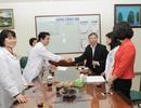 Vietcombank tặng quà Tết tại Bệnh viện Bạch Mai