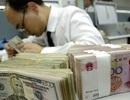 """Trung Quốc bất ngờ """"xả hàng"""" nợ Mỹ"""