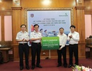 Vietcombank tặng hệ thống loa tuyên truyền đặc biệt cho lực lượng cảnh sát biển Việt Nam