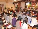 """""""Tây"""" đi lễ chùa Việt ở Brussels"""