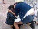 Quảng Ninh: Hai nữ sinh cấp 2 đánh nhau, bạn học cổ vũ nhiệt tình
