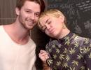"""Miley Cyrus bị mẹ bạn trai """"cấm cửa"""""""