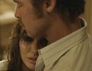 Hé lộ hình ảnh ngọt ngào của Angelina Jolie và Brad Pitt trong phim mới