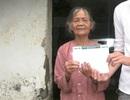 Gần 20 triệu đồng đến với cụ bà 80 tuổi bán hàng rong nuôi con tâm thần