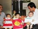 Dân trí mang quà trung thu đến với các bé họ Nhân ở chùa Mạc Thượng