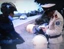 """Điều tra người đưa clip """"CSGT cầm sách luật"""" lên mạng"""