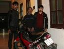 Nhà báo lao theo, bắt đối tượng trộm xe máy