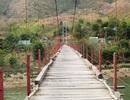 Chênh vênh cầu treo nơi thượng nguồn sông Mã