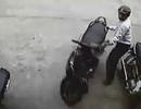 """Đánh tráo xe """"cùi"""" lấy Honda SH tại bãi giữ xe"""