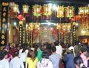 Hàng ngàn người đổ về lễ hội Chùa Bà Bình Dương