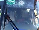 Xe khách bị ném đá, tài xế bị thương, hành khách náo loạn
