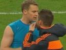Ramos thanh toán sòng phẳng món nợ với Neuer