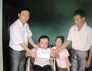 Hơn 23 triệu đồng đến với cô bé bị bại não tự chăm sóc mình