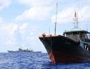 Trung Quốc điều tàu 4.000 tấn canh cho 32 tàu cá ở Biển Đông