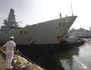 Tàu chiến Anh cập cảng Singapore